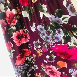 SLNY Dresses - SNLY   Woman floral dress size 10